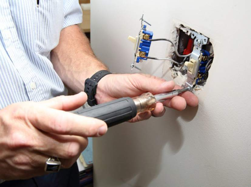 Hiring An Electrician Things To Keep In Mind